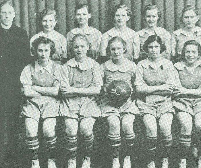 1936 girls basketball-team